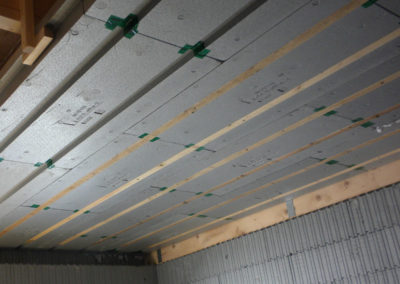 Mit 3Dpanel Dachdämmplatten gedämmte Decke